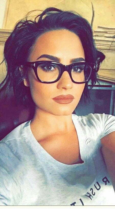Celebrity Short Hair, Round Makeup Lovato Glasses