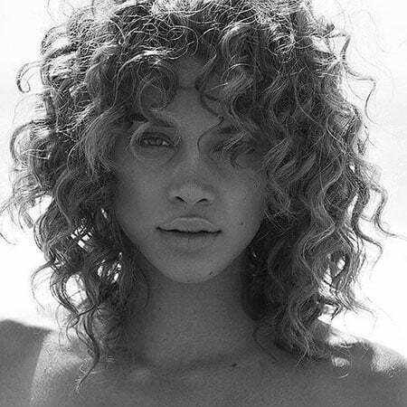 28 Haircuts For Short Curly Hair